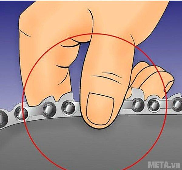 Cách dũa xích của máy cưa xích - Bước 5