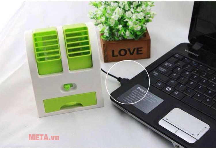 Loại điều hoa mini cầm tay có thể sử dụng điện sạc từ laptop.