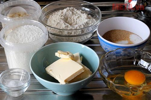 Nguyên liệu cần chuẩn bị cho món bánh quy dừa hạnh nhân