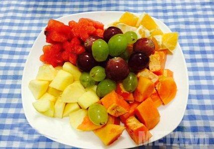 Thái nhỏ hoa quả cho vừa miếng