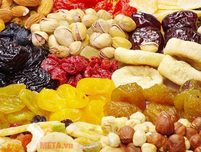 Máy sấy hoa quả giúp bạn sấy được nhiều loại quả khô thật ngon miệng