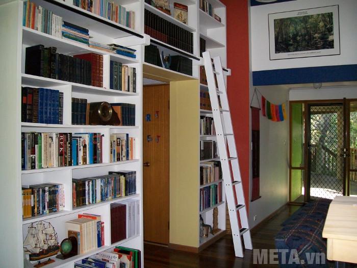 Chọn thang trong gia đình bạn nên chọn những loại thang có đế cao su chống trượt