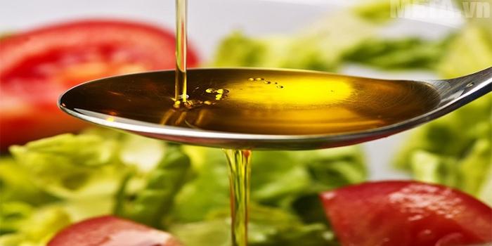 Dầu ăn có các nhóm dinh dưỡng quan trọng với cơ thể bé