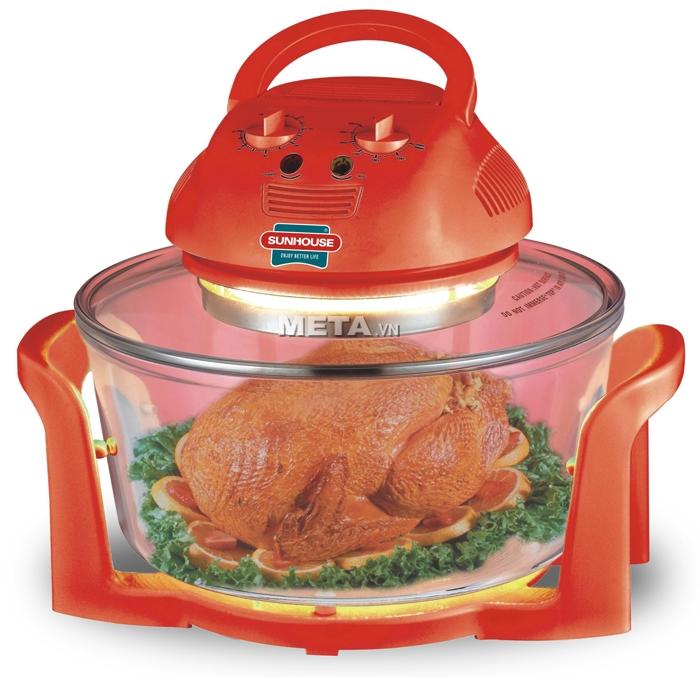 Lò nướng thủy tinh Sunhouse SH-410 giúp nướng nguyên được cả con gà