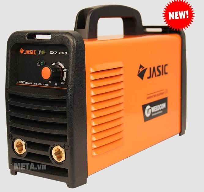 Máy hàn que Jasic ZX7-250 chạy máy khá êm, có mồi hồ quang dễ, ổn định