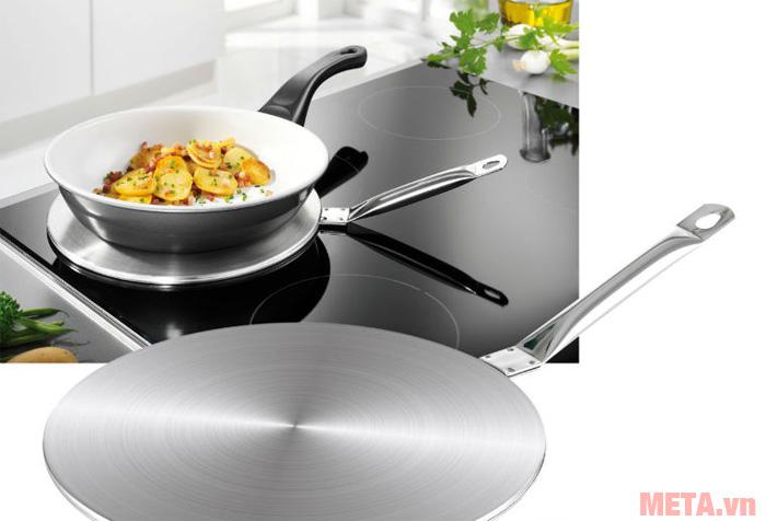 Bạn có thể sử dụng đĩa từ đặt nên bếp từ để sử dụng với những loại nồi chảo không có đáy từ