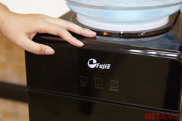 Đèn hiển thị ba chế độ nước lạnh, nước nóng và nước ấm