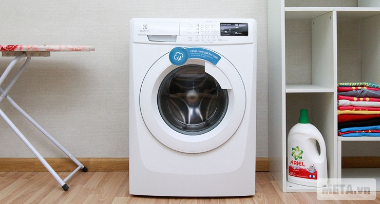 Máy giặt cửa trước 7.5 kg Electrolux EWF85743