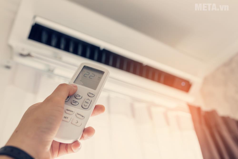 Điều hòa, máy lạnh là giải pháp làm mát, sưởi ấm nên có trong mỗi gia đình.