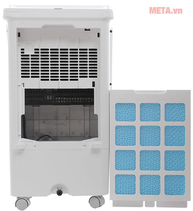 Quạt hơi nước Midea AC120-15F có tấm làm mát màu xanh rất bền.