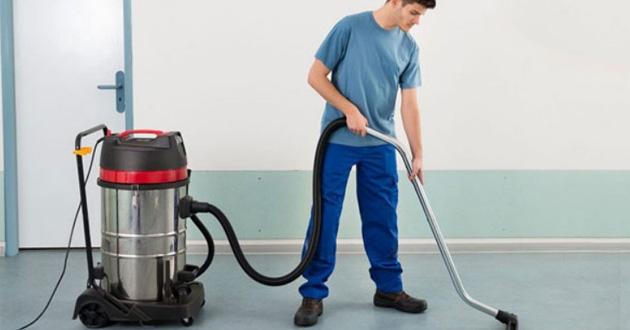 Máy hút bụi công nghiệp giúp công việc vệ sinh nhà xưởng trở nên nhẹ nhàng hơn rất nhiều