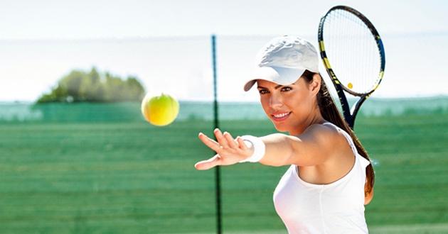 Tennis là môn thể thao được mọi lứa tuổi, mọi đối tượng yêu thích tập luyện