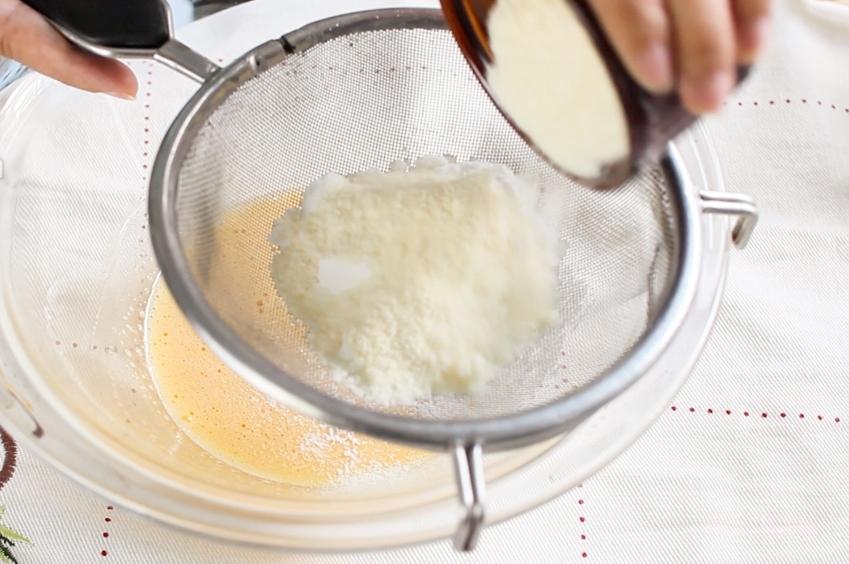 Cách làm bánh trung thu nhân đậu xanh bằng nồi cơm điện