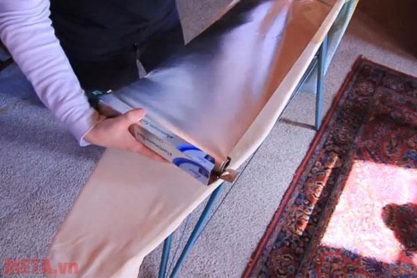 Lót 1 lớp bạc dưới quần áo để tăng hiệu quả là ủi