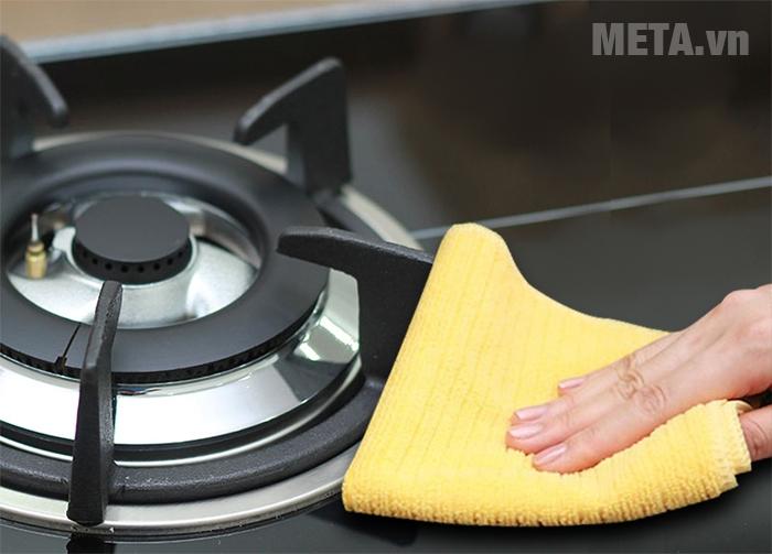 Lau sạch bếp ga cũng có thể gia tăng tuổi thọ của bếp